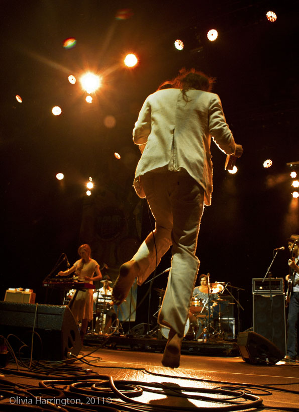 Edward Sharpe (jump) - Bomb Fest