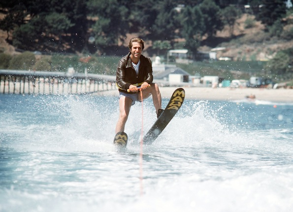 HENRY WINKLER ON WATERSKIS