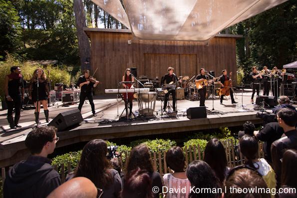 Family-Crest_Stern-Grove-Festival_08_26_2012_21